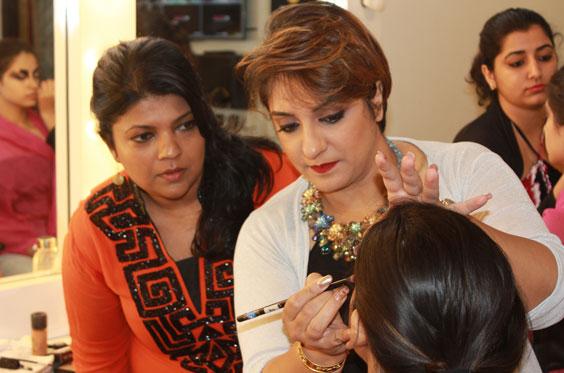 Makeup-masterclass-Course-Bengalurur-Zorains-Studio