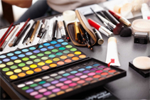 Free-Makeup-Kit-for-Students-Zorains-Academy