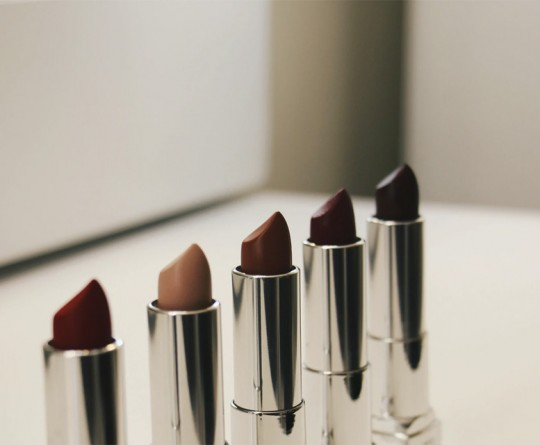 Choosing-the-perfect-Nude-Lipstick-for-the-Indian-skin-tone