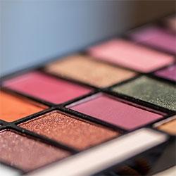 Hands-on-application--Online-Makeup-Classes