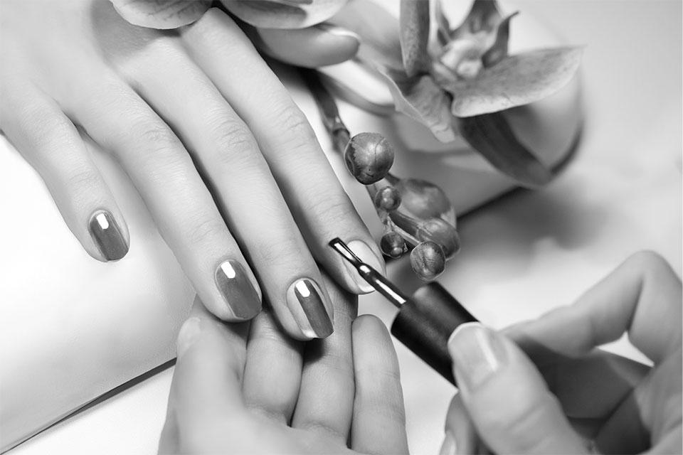 Nail Art DIYs  Learn the Tips & Tricks of nail Art from Zorain's Studio